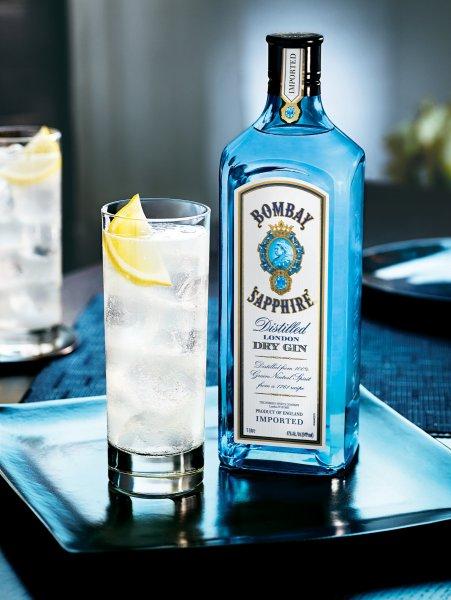 3 Flaschen Bombay Sapphire 47% 1L 50,70 € Online Duty Free Heinemann
