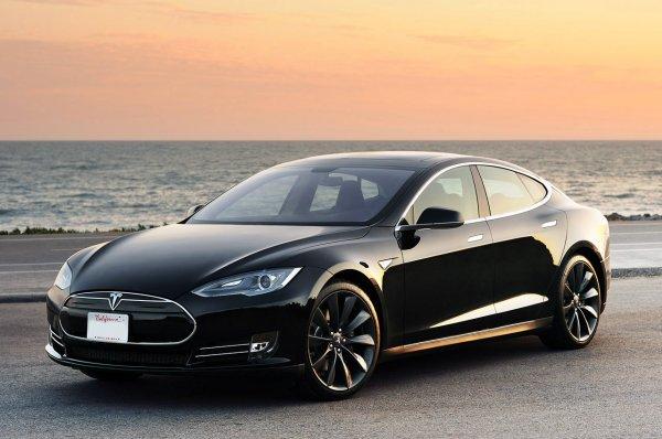 Gratis Tesla-S Probefahrt in Berlin
