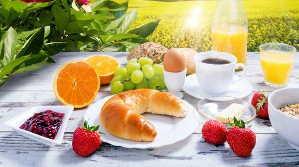 Kostenlose gefüllte Frühstücksbox von Pneuhage in Walldorf Baden am 27.03.15