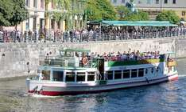 """Berlin : """"Berlin-City-Tour"""" auf der Spree  für 2 Personen  - 12 €  ( pro Person 6 €)  @ Groupon ( Qipu möglich)"""