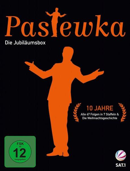 Bestpreis für ADAC-Mitglieder: Bastian Pastewka 10 Jahre Jubiläumsbox bei jpc.de für 30,99 € (mit 6 € ADAC-Gutschein) versandkostenfrei vorbestellbar (10 € Ersparnis gegenüber Amazon möglich)