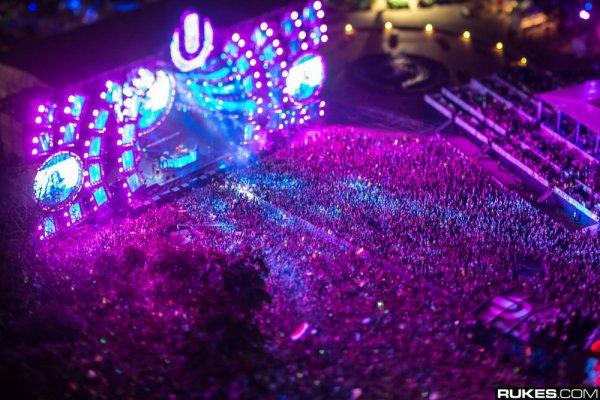 Ultra Music Festival 4 Free