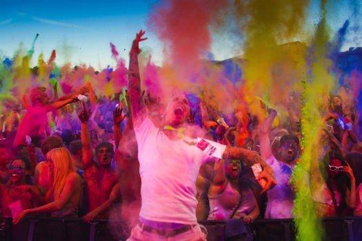 [TravelBird] 1 Karte inkl. 1 Farbbeutel für das Holi Festival of Colours in verschiedenen Städten (50% Ersparnis)