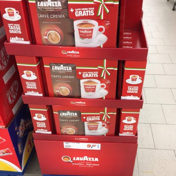 Real Neuss (lokal?) lavazza Classico + Caffe Crema Tasse Gratis für 9,99 EUR