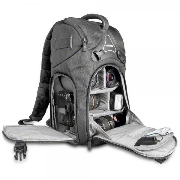 Mantona Rhodolit SLR-Kamerarucksack (für SLR mit angesetztem Objektiv, weitere Objektive, Systemblitz und Zubehör inkl. Regenschutz) schwarz für 41,05 € @Amazon.it