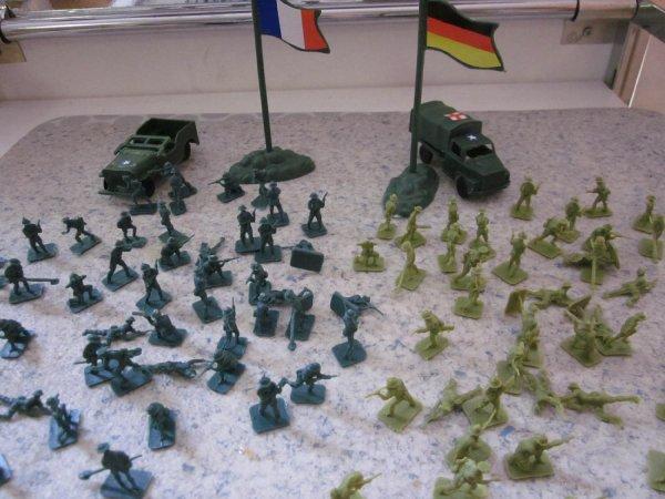 Soldatenset bestehend aus 100 Teilen  für 3,59 € @ Amazon.de