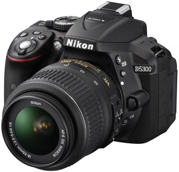 (MediaMarkt.de)NIKON D5300 18-55 mm VR II Objektiv (GPS, WIFI, 24MP, keinen Tiefpassfilter, 60FPS bei FullHD))
