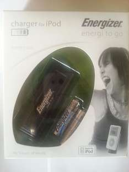 100x Energizer Lithium Mignon (AA)-Batterien+50x IPOD Notladegerät für 54,50€
