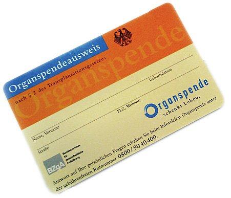 Organspendeausweis als Plastikkarte im Scheckkartenformat