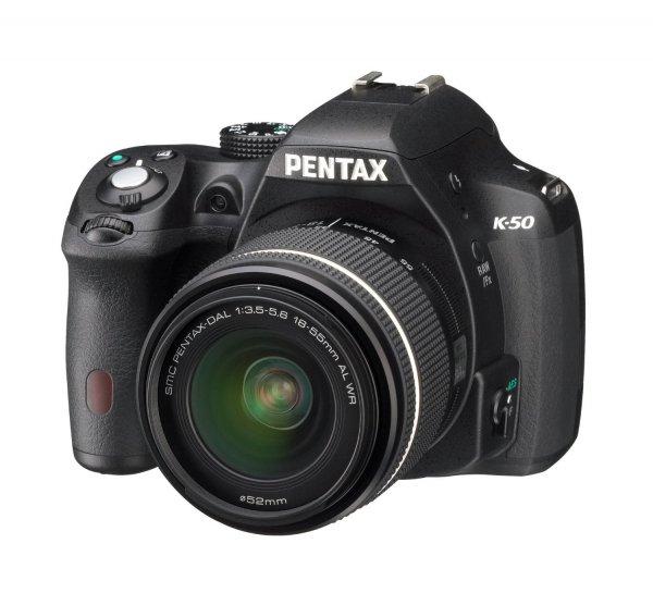 """[Amazon WHD] Pentax K-50 in diversen Farben und mit versch. Objektiven ab 305,34€ (Geizhals """"neu"""" 376€)"""