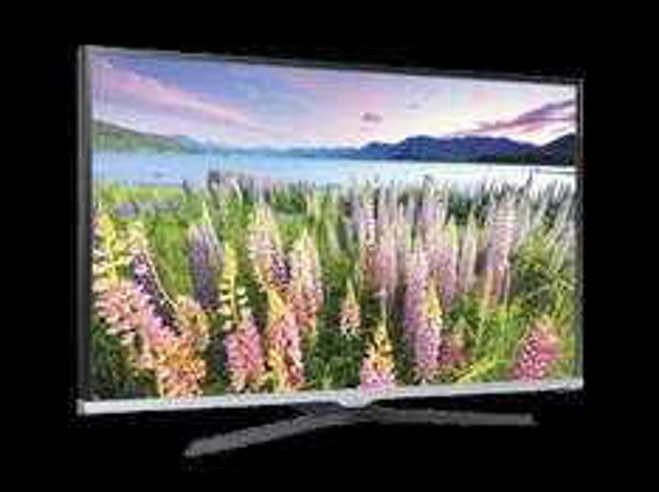 [MediaMarkt] Samsung UE40J5150 LED TV (40'' FHD Direct-LED, EEK A+, 200 PQI, Triple-Tuner, CI+, 2x HDMI, 1x USB) für 377€ versandkostenfrei