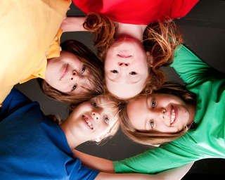 Köln - Ehrenfeld : Die vier Weltmusikanten ( Kindermusical) am 18.6.2015 um 17:15 Uhr - Eintritt frei