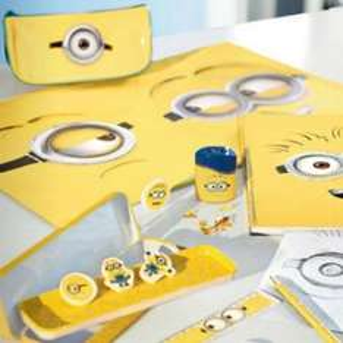 [KIK] Minions – Radiergummiset+Bleistift+Lineal+Metalletui+Etui+Schreibtischunterlage für 9,97€