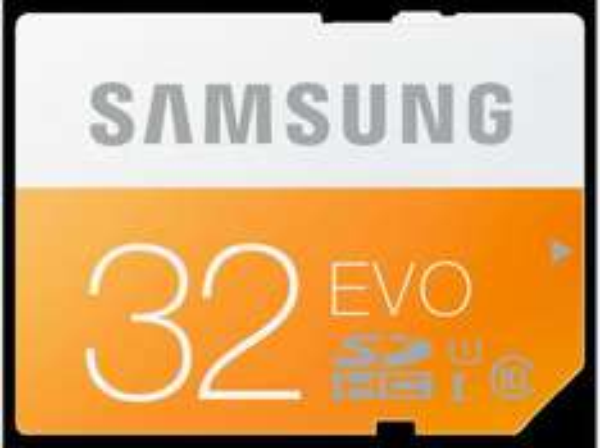 [MediaMark Online + Markt] Samsung Evo SDHC 32GB Class 10 / UHS I (W: ~18 MB/s & R: ~47 MB/s) für 10€ inkl. Versand
