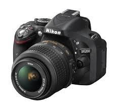 (lokal Karlsruhe) Nikon D 5200 18-55 VR II + Tasche + Sd Karte