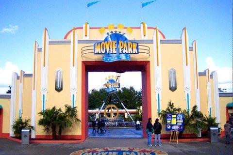 @travador: Bottrop - 2 Tage Movie Park Germany und Hotel (1 Übernachtung inkl. Frühstück) für 2 Erwachsene und 1 Kind für  59€ pro Person möglich