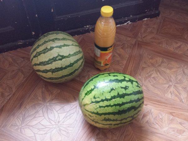 NUR LOKAL in Duisburg Marxloh - ALDI SÜD Wassermelone für 1.39€/Stück