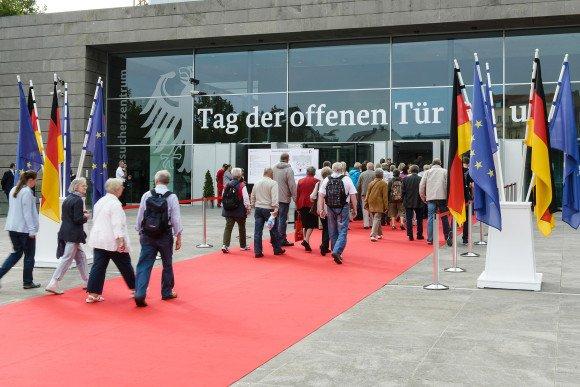 [Berlin] Tag der offenen Tür der Bundesregierung mit kostenlosem Shuttle-Service, 29. u. 30. 8. 2015, 10-18 Uhr