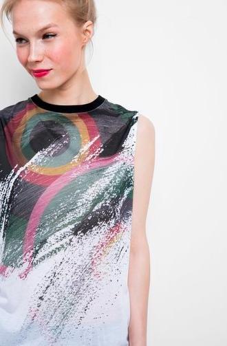 Desigual: diese Woche -50% auf Shirts, kostenl. Versand möglich, z.B. Tanktop für 12€ statt 24€