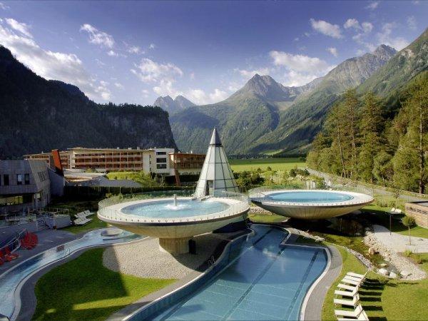 Aqua Dome Therme Tirol (Übernachtung, Frühstück, Thermeneintritt) - Exklusives Wellness-Erlebnis!