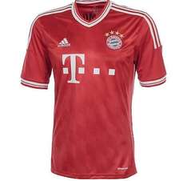 Alte Buli Trikots & shirts z.b. Fc Bayern Trikot 2013/2014 für 20,96 (eBay)