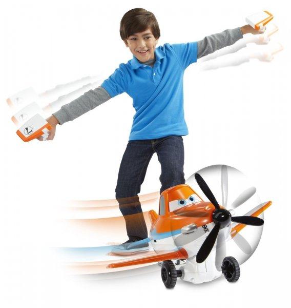 [Amazon-Marktplatz]Mattel Disney Planes BJD43 - Sprechender Action-Flieger Dusty, inklusive 2 Steuerungen