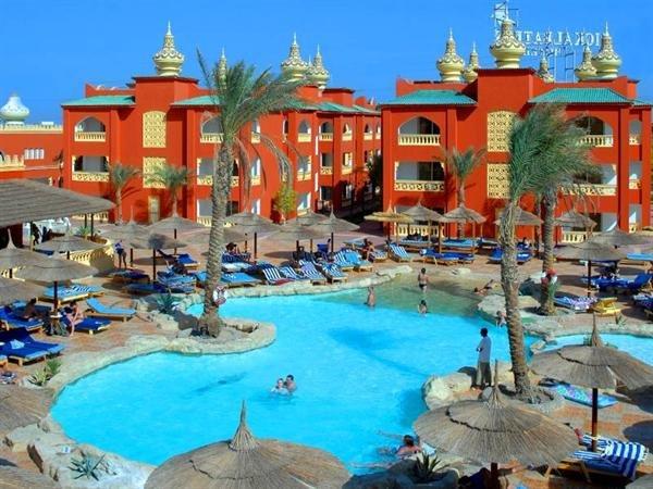 Ägypten - 7 Tage im sehr guten 4* All Inclusive Hotel schon für 294€ p. P mit Flügen, Zug zum Flug & Transfer im Dezember (inkl. 35€ Cashback)