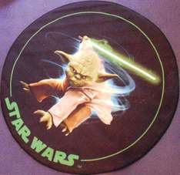 """[Ebay] Möge der """"teppich"""" mit euch sein...Star Wars Teppich Yoda 100 cm rund für 14,99€ Versandkostenfrei"""
