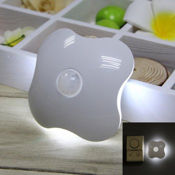Kleeblatt LED Nachtlampe mit Bewegungssensor (weiss) bei allbuy