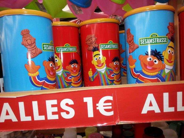 [EUROSHOP] Sesamstraße Keksdosen 1,00€ // Weetabix Vollkorn Schokoladen & Bananen Blitze / Vollkorn Herzen Erdbeer & Vanille 240g 1,00€ // Coppenrath Traveller Cookies on Tour 350g 1,00€