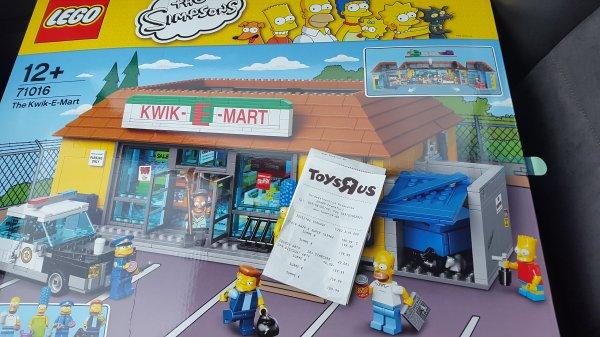 OFFLINE: LEGO Simpsons Haus oder KWIK E MART für 159,99 € (20% bei Toys r us)