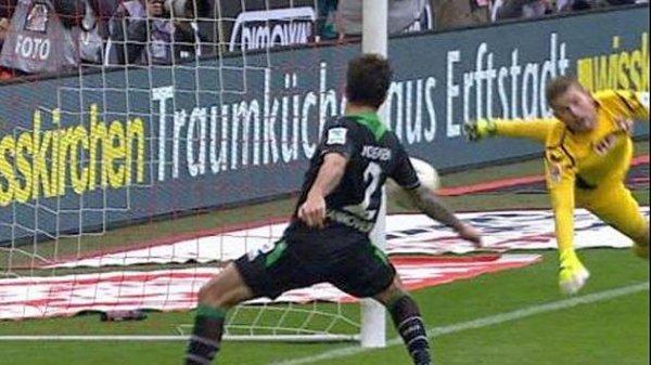 (lokal Hannover) 2xTickets für Hannover 96-Eintracht Frankfurt + 36 Ausgaben BILD-Zeitung + 3 Monate BILD+