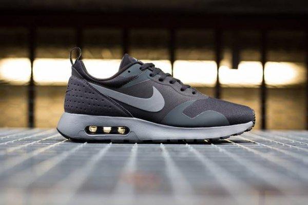 Nike Air Max Tavas Black/Grey