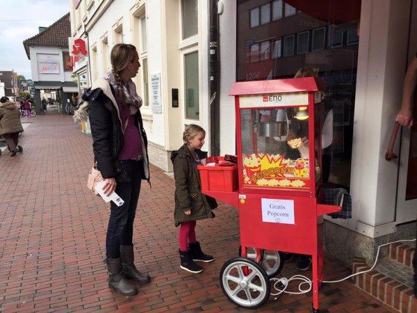 Gratis Popcorn,Lolies,Kugelschreiber und Feuerzeuge (Vodafone&Otelo Am Markt Heilig