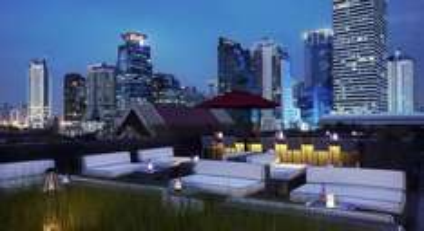 (Travelzoo-Deal) Neues 5*-Mövenpick Hotel in Bangkok (Upgrade auf DLX-Zimmer inkl. Frühstück)