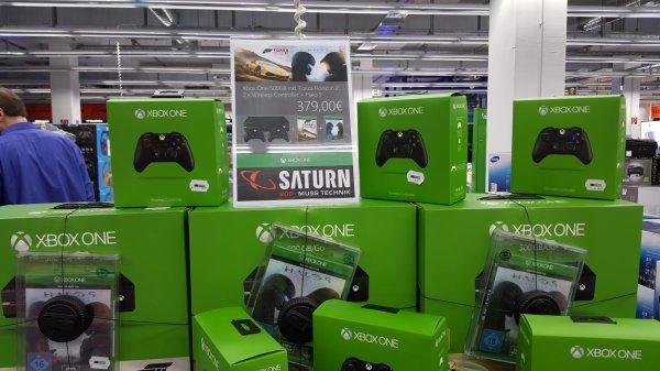 [lokal] Saturn Iserlohn XBOX One 500 GB + 2 Spiele + 2.Controller für 379€