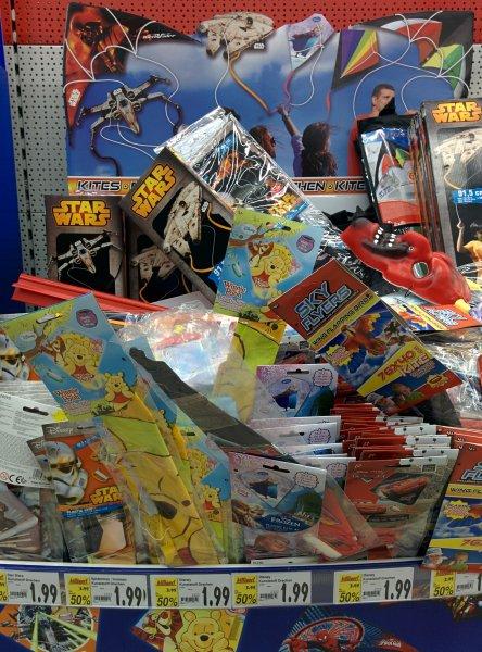 Kinderdrachen StarWars, Disney etc. Kaufland bundesweit, 50% reduziert
