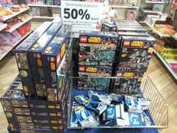 [Lokal Bonn Karstadt] Verschiedene Lego Star Wars Artikel um 50% reduziert