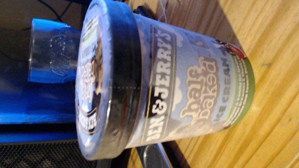 [Penny Lokal-Bückeburg] Ben & Jerry's 500 ml Eisbecher HALF BAKED für 2,49 statt 4,99
