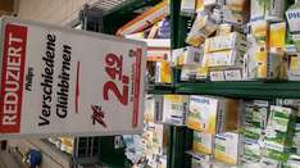 lokal Weil am Rhein Marktkauf. verschiedene Philips Glühbirne für 2,49.