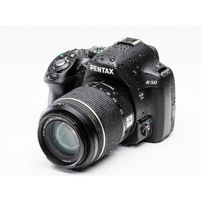 [amazon.fr] Pentax K-50 mit 18-135 mm Objektiv für 455,95 € inkl. Versand
