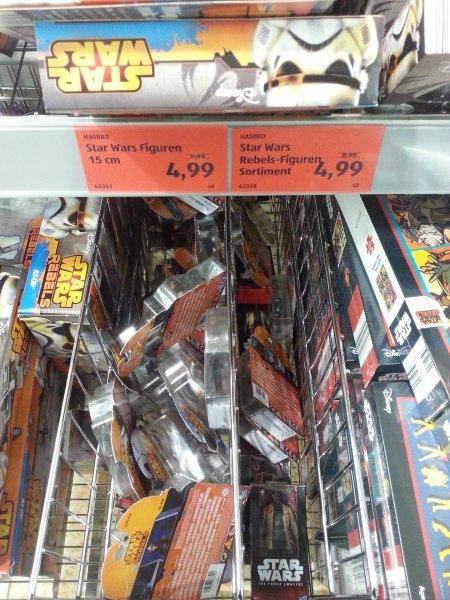 [Lokal Mülheim/Ruhr] Aldi: Star Wars Artikel bis zu 50 % reduziert - Figuren für 4,99 € statt 9,99 €, Fahrzeuge für 15,99 € statt 24,99 €