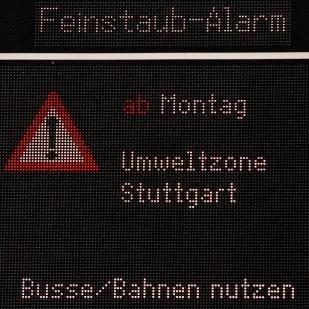(Stuttgart) Feinstaub-Alarm in Stuttgart: VVS/moovel (50% auf alle VVS-Einzeltickets) und car2go (50% auf alle Elektrofahrzeuge)