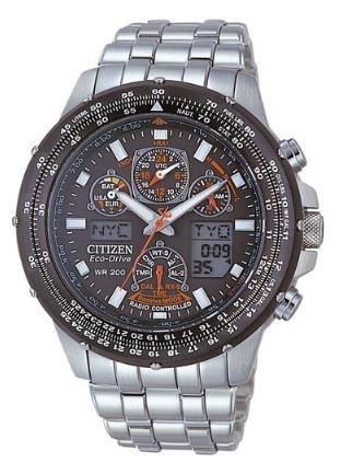 [amazon.de + mode-in-motion.de] Citizen Skyhawk JY0020-64E Herren Edelstahl-Chronograph Funk/Solar mit Saphirglas für 381,50€ incl.Versand!