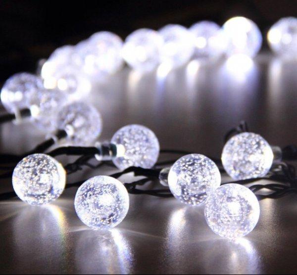 [Amazon] InnooTech LED Solar Globe Garten Lichterkette Außen Kristall 6 Meter 30er, Solar Kugel Beleuchtung für Party, Outdoor, Fest Deko usw.