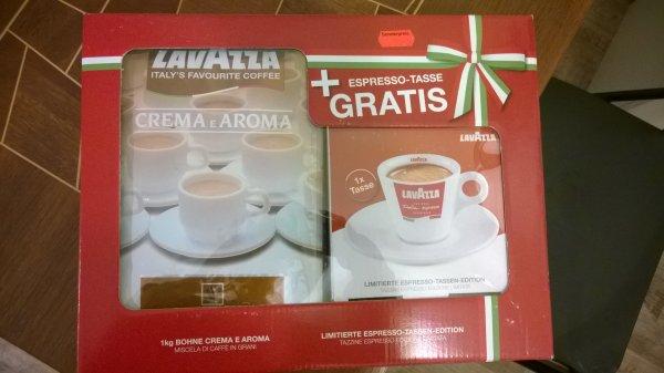 [Lokal] Lavazza 1kg Crema e Aroma Bohnen mit Tasse - Netto MD - Rostock - 5,99 Euro
