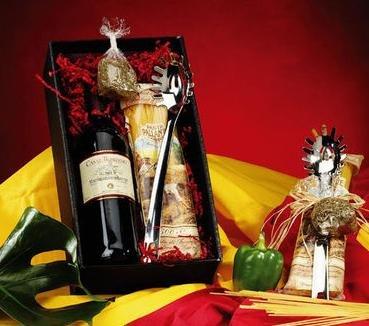 """Geschenkset """"Spaghetti-Zeit"""" - Spaghettiheber, Nudeln, Basilikum und Rotwein für 13,47€ bei Amazon (Prime)"""