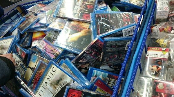 Verschiedene Blu-Rays für 1€ bei Saturn Münster Arkaden