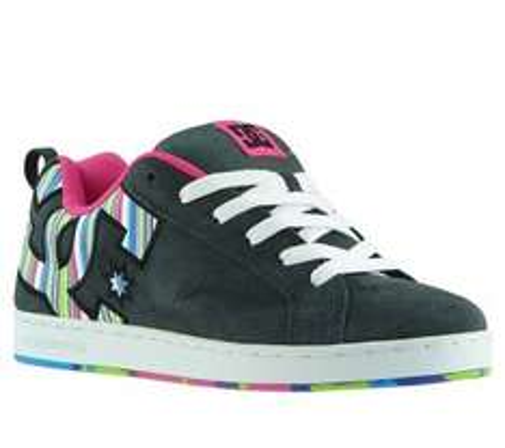 DC Shoes - 39 Modelle für Damen (Sneaker, Boots) für 24,46 € @ outlet46.de