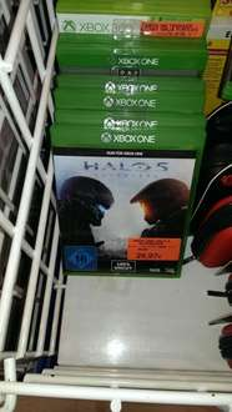 Halo 5  - toys r us  (lokal Bamberg)